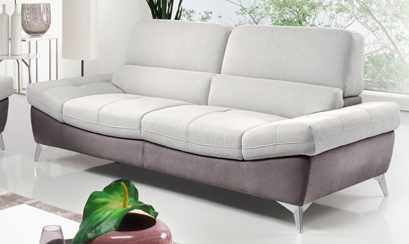 Sofá de tres plazas con patas Sally | Comprar sofás en Muebles Rey